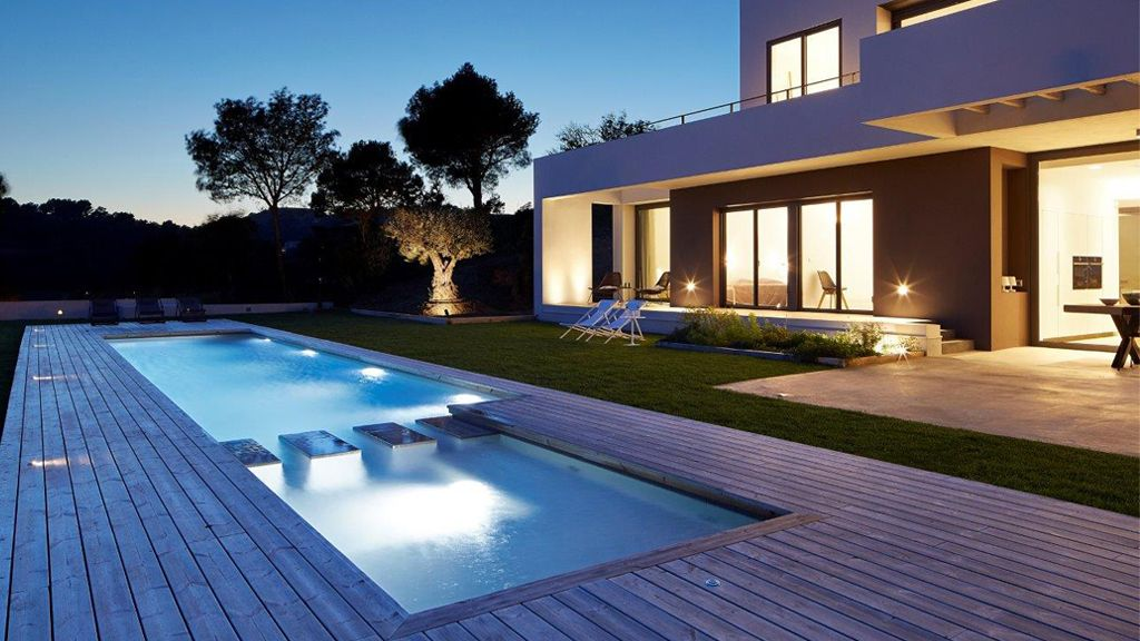 Bazén nemusí být modrý